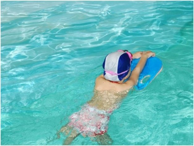 Лечебное плавание при сколиозе у детей