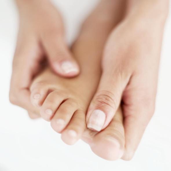Перелом большого пальца на ноге: как определить и чем лечить
