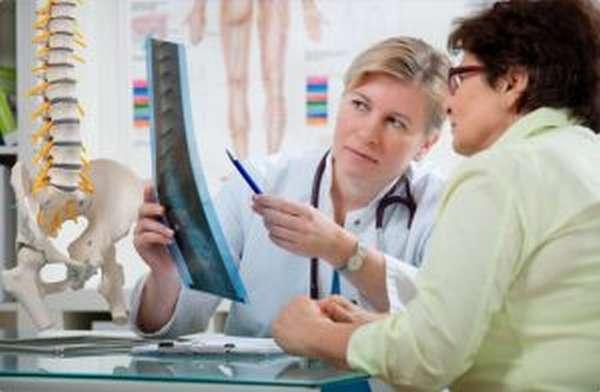 К какому врачу обращаться при грыже позвоночника