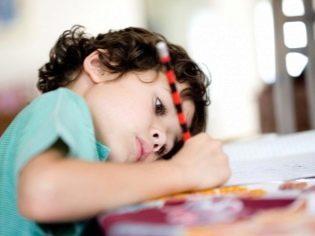 У ребенка болит спина: причины и лечебные мероприятия