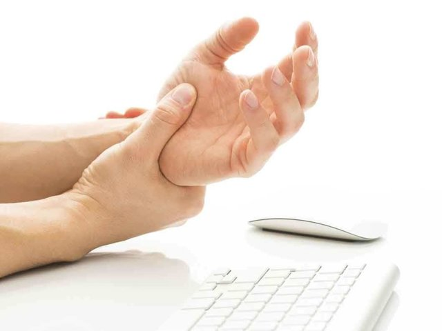 Воспаление суставов кисти руки - причины, лечение