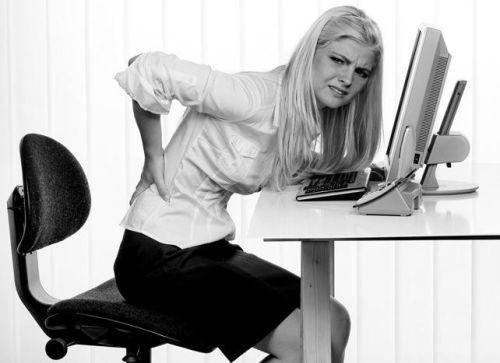 Почему болит поясница когда сидишь: причины, профилактика