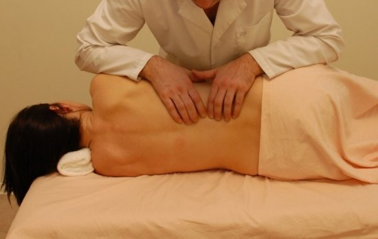 После массажа болит спина — как устранить неприятные ощущения