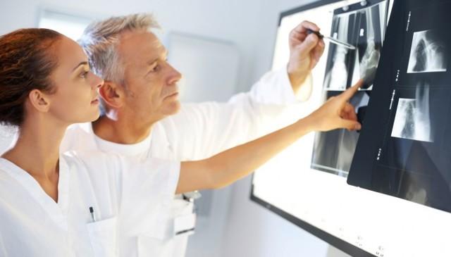 Рентген позвоночника: что показывает и как делают