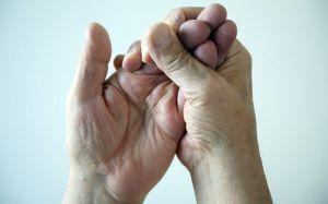 Парестезия: что это такое, причины, симптомы и лечение