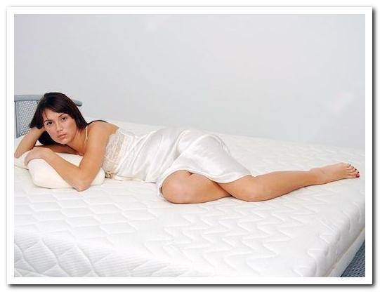 Болит спина ночью — причины, лечение и профилактика