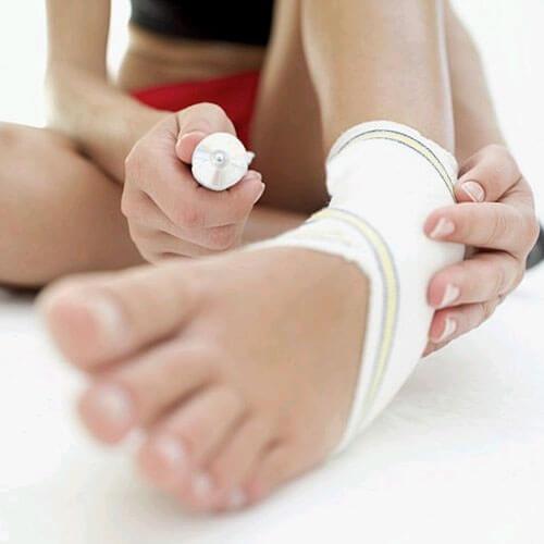 Ушиб ноги: лечение в домашних условиях, первая помощь