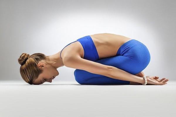 Йога для шеи при остеохондрозе: комплекс асан