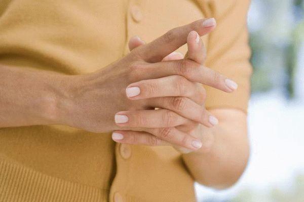 Немеют кончики пальцев рук и ног: причины и лечение
