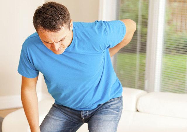 Ушиб позвоночника — причины, симптомы, лечение