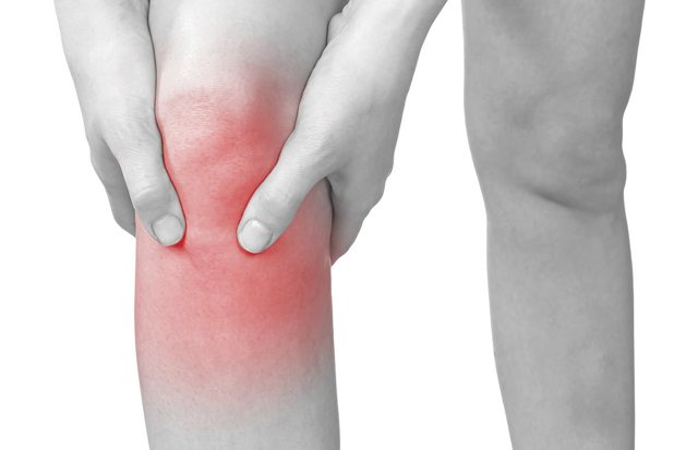 Боль в колене сбоку с внутренней стороны: причины и лечение