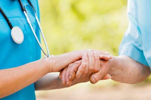 Ушиб кисти руки: симптомы, первая помощь, лечение