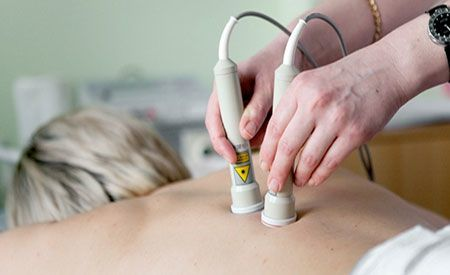 Лазеротерапия при остеохондрозе: техника проведения и отзывы пациентов