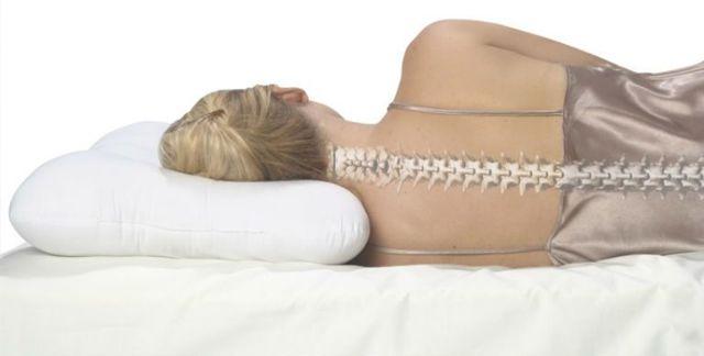 Выбираем ортопедическую подушку при шейном остеохондрозе