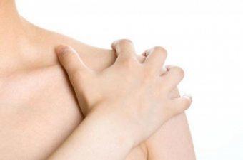 Воспаление плечевого сустава: симптомы и лечение
