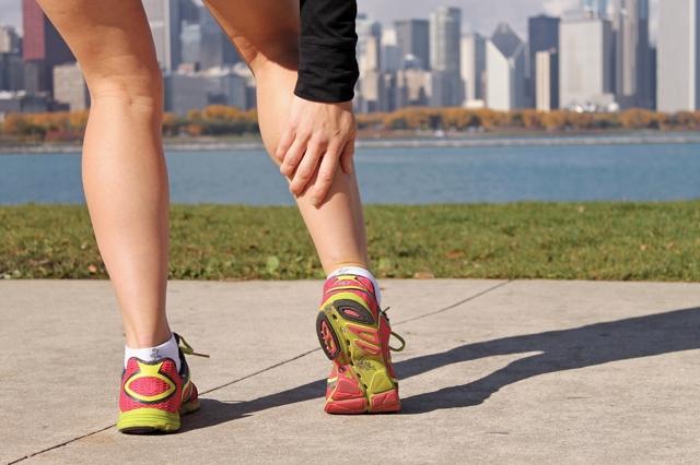 Почему немеют икры ног: причины и лечебные меры