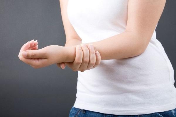 Синовит коленного сустава: симптомы и лечение народными средствами