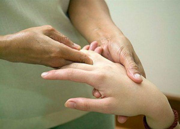 Гимнастика при ревматоидном артрите: комплекс упражнений