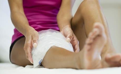 Растяжение связок коленного сустава — лечение в домашних условиях