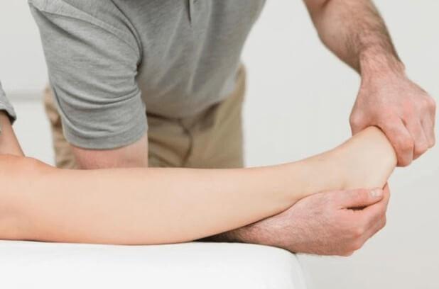 Вывих голеностопа: симптомы, лечение и причины