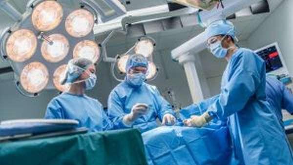Перелом височной кости: симптомы, первая помощь и лечение