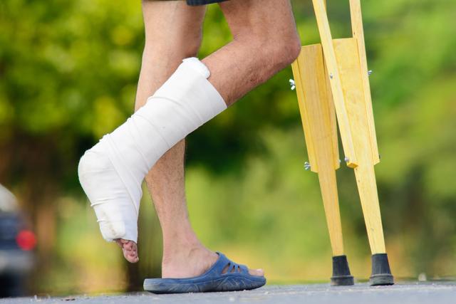 Физиотерапия при переломах — какие процедуры назначают