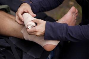 Лечение связок стопы при растяжении в домашних условиях