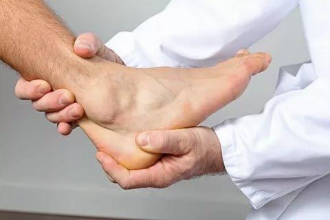 Боль в голеностопном суставе: причины и способы лечения