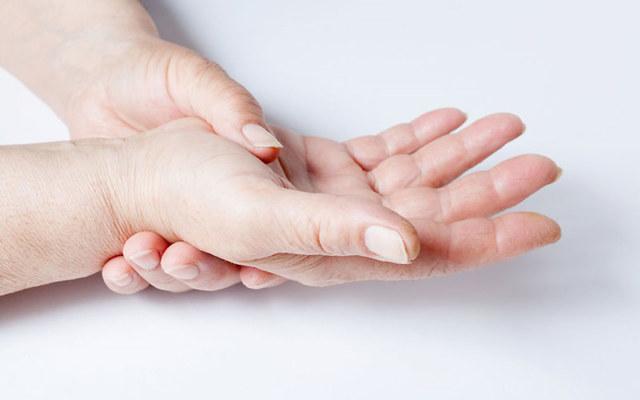УЗИ кисти руки: когда назначают и как проводят