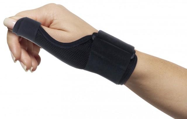 Болит сустав большого пальца на руке: причины и методы лечения