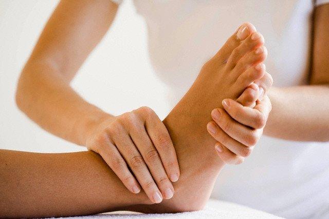 Массаж при подагре на ногах и руках